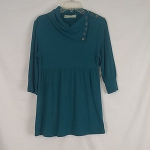Tyte Jeans cowl neck half sleeve top. Size XL